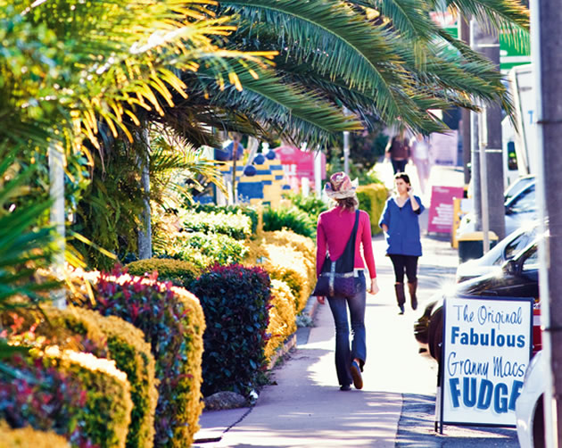 Gallery Walk is located in the centre of Tamborine Mountain and just a minute's walk from your accommodation.