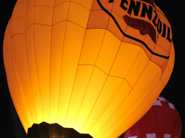 Activities can include hot air balloon rides near Tamborine Mountain and Amore BandB