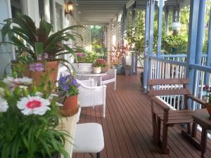 Accommodation Tamborine verandahs Queensland style.
