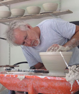 Ceramics and pottery lessons near Amore B&B in Mt Tamborine